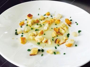 supa_crema_de_cartofi_cu_crutoane.jpg